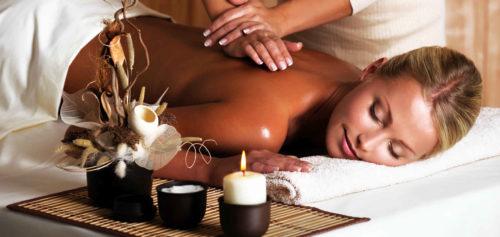 Persona e benessere  massaggio-500x237 Riequilibrare il secondo Chakra con prodotti naturali